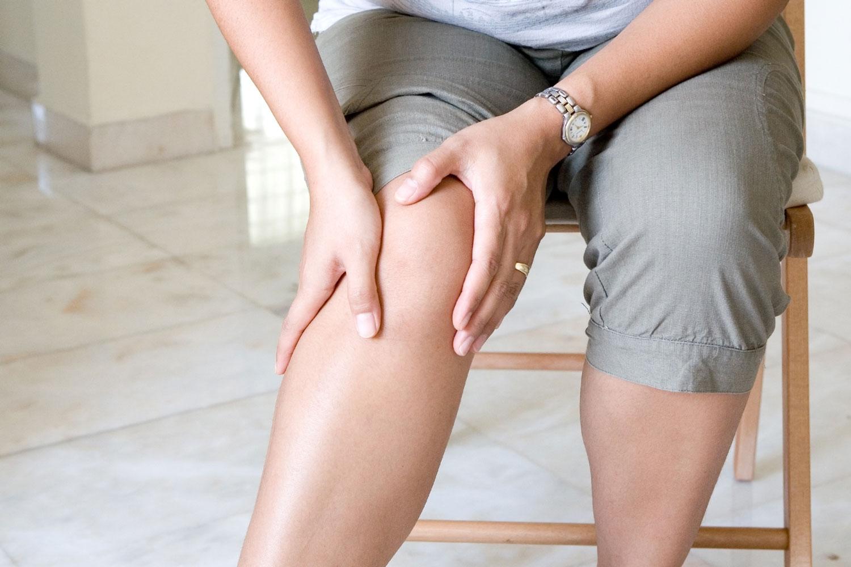 Лопух снимает болевые синдромы при заболеваниях суставов