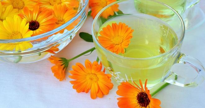 Настойка календулы от давления: понижает ли она и как пить
